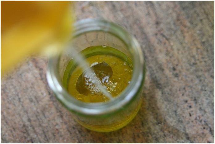 רוטב עם מיץ לימון